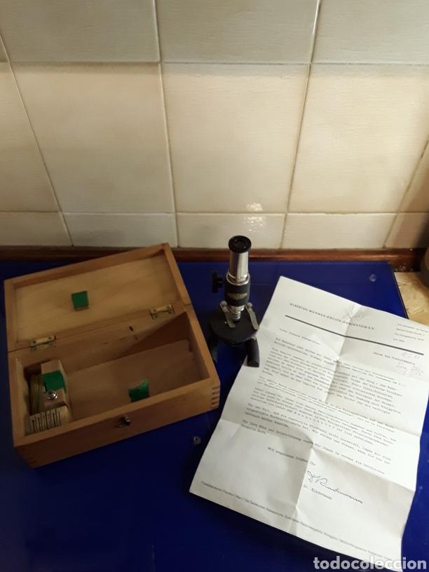 BONITO MICROSCOPIO ANTIGUO CON CAJA ORIGINAL Y DOCUMENTACION (Antigüedades - Técnicas - Instrumentos Ópticos - Microscopios Antiguos)