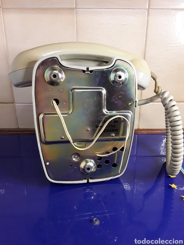 Teléfonos: Antiguo teléfono de pared - Foto 2 - 236713225