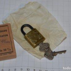 Antigüedades: NOS - ANTIGUO CANDADO DE LATÓN - NUEVO A ESTRENAR - LASIN - TOLOSA - LLAVES ESTRIADAS - HAZ OFERTA. Lote 199961142