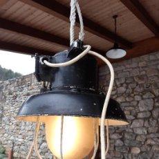 Antigüedades: LAMPARA DE BARCO ANTIGUA ELECTRICA FUNCIONANO. LEER DESCRIPCION.. Lote 200040746