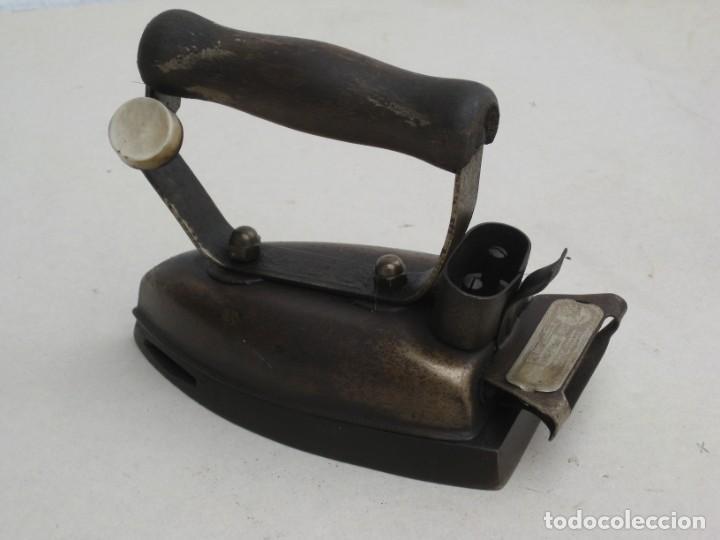 Antigüedades: Lote de 5 planchas electricas antiguas. Ver descripcion. - Foto 3 - 200066243