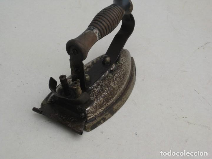 Antigüedades: Lote de 5 planchas electricas antiguas. Ver descripcion. - Foto 13 - 200066243