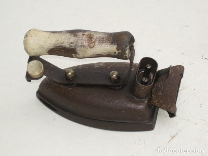 Antigüedades: Lote de 5 planchas electricas antiguas. Ver descripcion. - Foto 3 - 200066668
