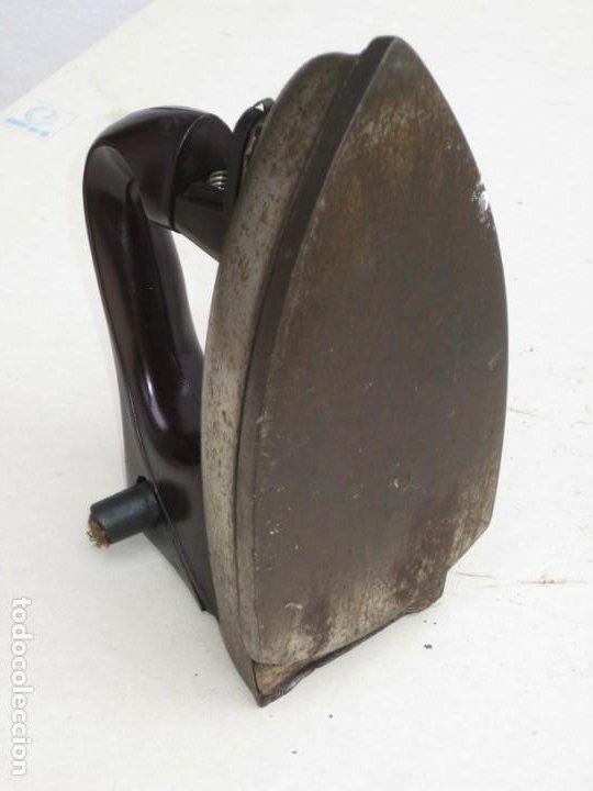 Antigüedades: Lote de 5 planchas electricas antiguas. Ver descripcion. - Foto 16 - 200066668