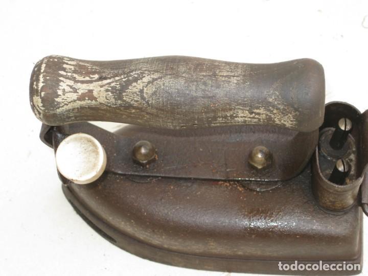 Antigüedades: Lote de 5 planchas electricas antiguas. Ver descripcion. - Foto 26 - 200066668
