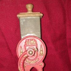 Antigüedades: ANTIGUO MOLINILLO PARA PAN RALLADO. Lote 200078698