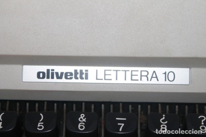 Antigüedades: maquila de escribir de la marca olivetti lettera 10 el estado es bueno - Foto 5 - 200185503