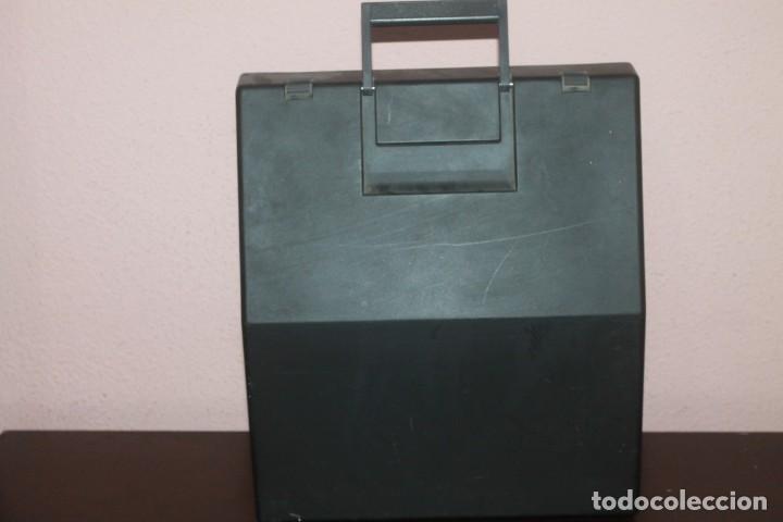 Antigüedades: maquila de escribir de la marca olivetti lettera 10 el estado es bueno - Foto 6 - 200185503