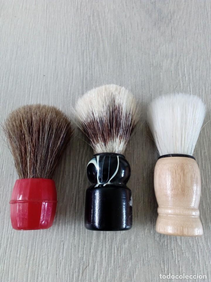 ANTIGUAS BROCHAS DE BARBERO-AÑOS 70 (Antigüedades - Técnicas - Barbería - Varios Barbería Antiguas)