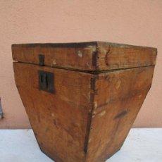 Antigüedades: ANTIGUA CAJA - TEODOLITO - APARATO TOPOGRÁFICO MILITAR - MADERA DE PINO - S. XIX. Lote 200363153