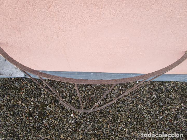 Antigüedades: Pareja de Barandillas - en Forma Curva - Reja Hierro Forjado - Ideal Decoración Consolas - S. XVIII - Foto 8 - 200509293
