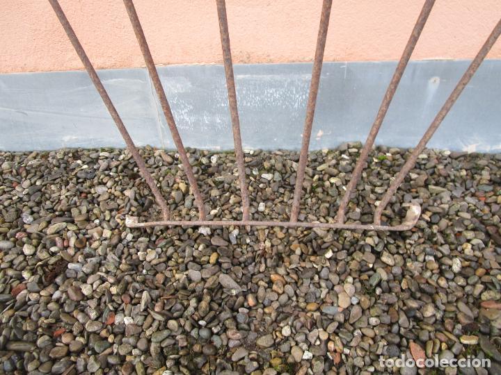 Antigüedades: Pareja de Barandillas - en Forma Curva - Reja Hierro Forjado - Ideal Decoración Consolas - S. XVIII - Foto 10 - 200509293