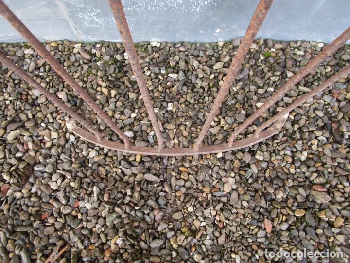 Antigüedades: Pareja de Barandillas - en Forma Curva - Reja Hierro Forjado - Ideal Decoración Consolas - S. XVIII - Foto 11 - 200509293