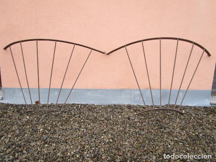 Antigüedades: Pareja de Barandillas - en Forma Curva - Reja Hierro Forjado - Ideal Decoración Consolas - S. XVIII - Foto 15 - 200509293