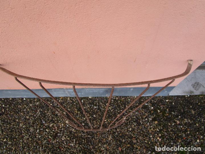 Antigüedades: Pareja de Barandillas - en Forma Curva - Reja Hierro Forjado - Ideal Decoración Consolas - S. XVIII - Foto 16 - 200509293