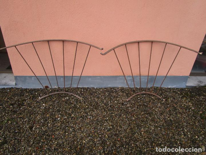 Antigüedades: Pareja de Barandillas - en Forma Curva - Reja Hierro Forjado - Ideal Decoración Consolas - S. XVIII - Foto 17 - 200509293