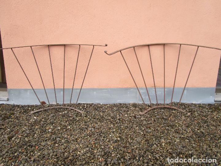 Antigüedades: Pareja de Barandillas - en Forma Curva - Reja Hierro Forjado - Ideal Decoración Consolas - S. XVIII - Foto 27 - 200509293