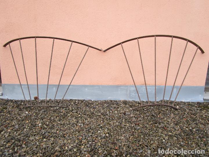 Antigüedades: Pareja de Barandillas - en Forma Curva - Reja Hierro Forjado - Ideal Decoración Consolas - S. XVIII - Foto 28 - 200509293