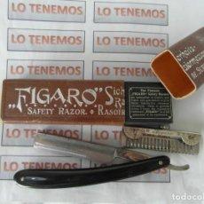 Antigüedades: NAVAJA DE AFEITAR Y PEINE FIGARO EN SU CAJA.. Lote 200526311