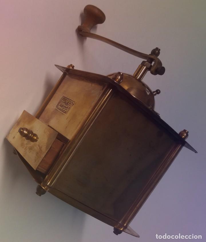 Antigüedades: ANTIGUO Y PRECIOSO MOLINILLO DE LATON DORADO AÑOS 30s - Foto 4 - 200538097