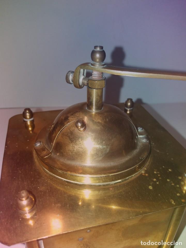 Antigüedades: ANTIGUO Y PRECIOSO MOLINILLO DE LATON DORADO AÑOS 30s - Foto 30 - 200538097