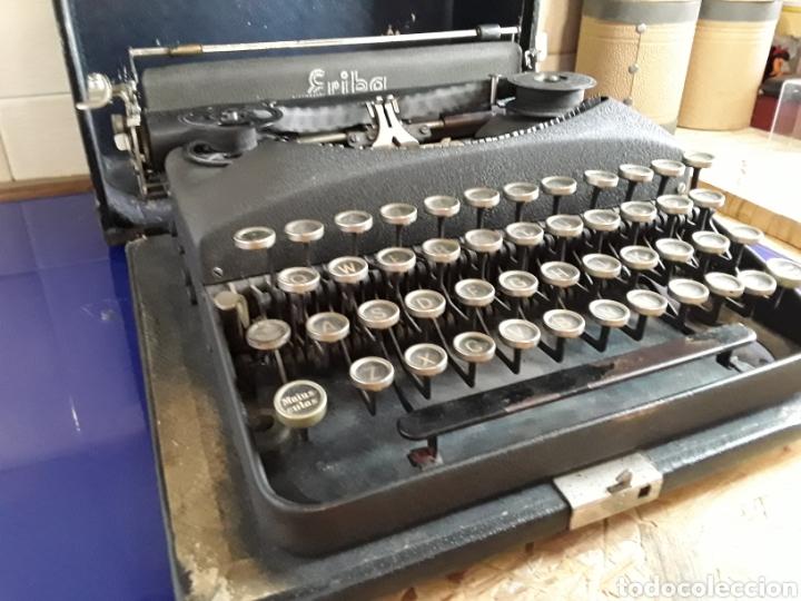 Antigüedades: Preciosa máquina de escribir ERIKA portatil - Foto 3 - 200622246
