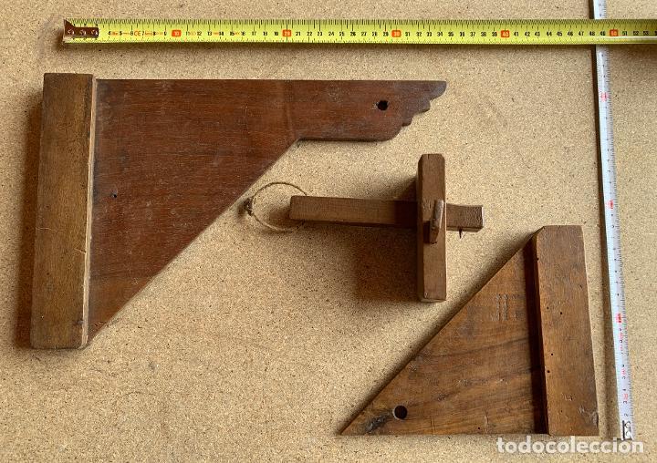 Antigüedades: MATERIAL MADERA ANTIGUO CARPINTERIA . SIERRA , ESCUADRAS .PERFILADOR .NOGAL. FORJA . 9 . - Foto 10 - 200638403