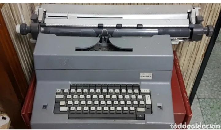 MÁQUINA DE ESCRIBIR ELÉCTRICA OLIVETTI TEKNE 7 (Antigüedades - Técnicas - Máquinas de Escribir Antiguas - Olivetti)
