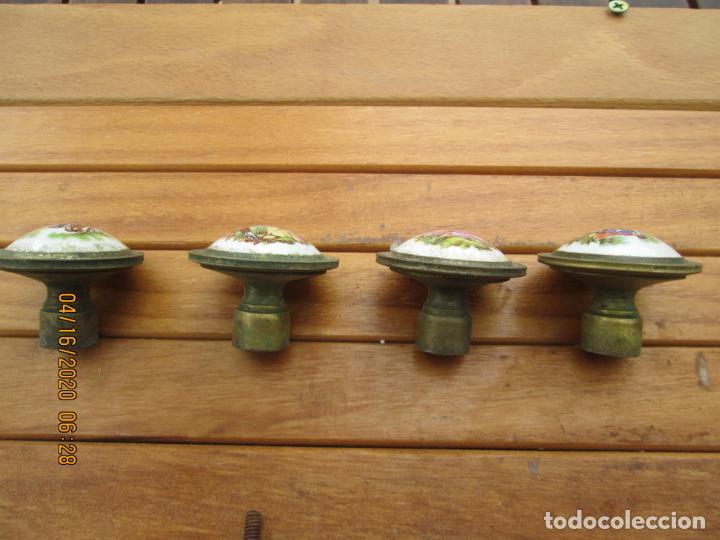Antigüedades: TIRADORES POMO PORCELANA Y BRONCE - 12 EUROS UNIDAD - HAY DE 6 DE 33 MM Y 4 DE 38 MM - Foto 5 - 200767661