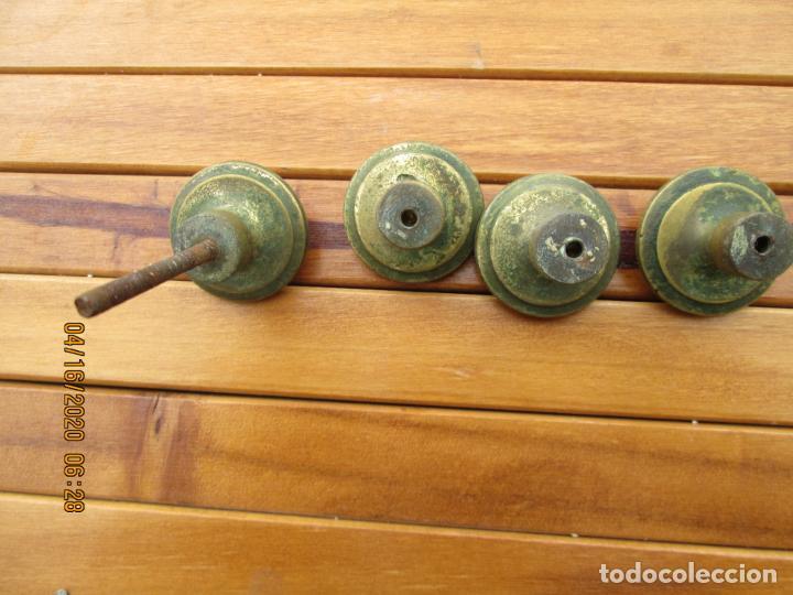 Antigüedades: TIRADORES POMO PORCELANA Y BRONCE - 12 EUROS UNIDAD - HAY DE 6 DE 33 MM Y 4 DE 38 MM - Foto 8 - 200767661