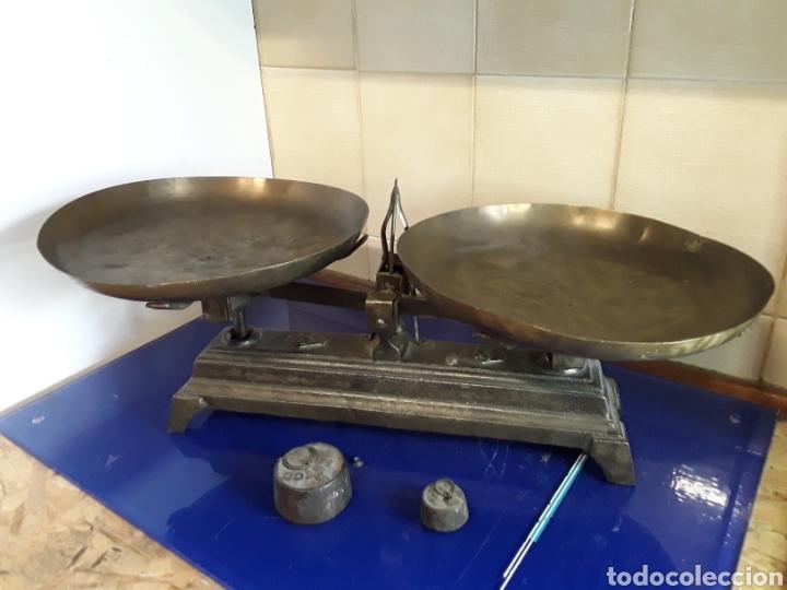 ANTIGUA BÁSCULA BALANZA DE HIERRO FUNDIDO DE 5KG (Antigüedades - Técnicas - Medidas de Peso - Balanzas Antiguas)