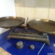 Antigüedades: ANTIGUA BÁSCULA BALANZA DE HIERRO FUNDIDO DE 5KG. Lote 201198152