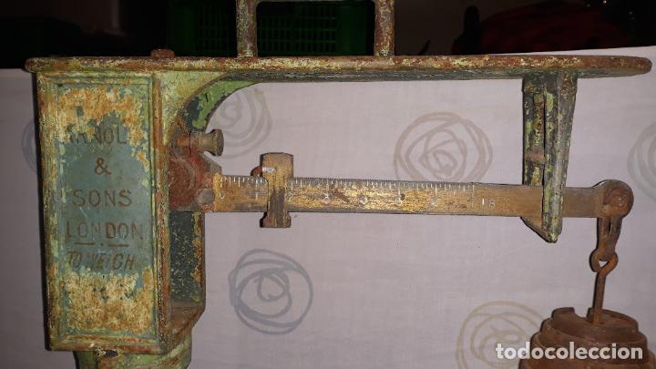 Antigüedades: peso de farmacia siglo xix,en hierro y bronce,peso para personas,muy bonita,industrial vintage - Foto 2 - 201233691