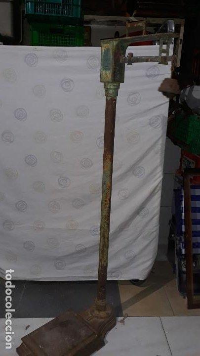 Antigüedades: peso de farmacia siglo xix,en hierro y bronce,peso para personas,muy bonita,industrial vintage - Foto 7 - 201233691