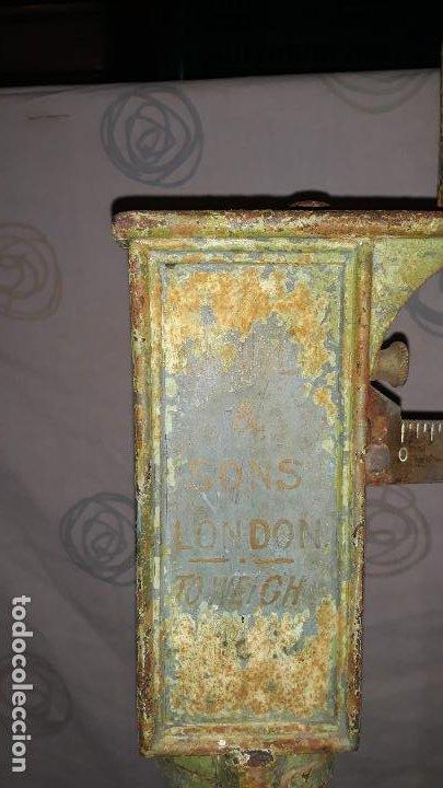 Antigüedades: peso de farmacia siglo xix,en hierro y bronce,peso para personas,muy bonita,industrial vintage - Foto 8 - 201233691