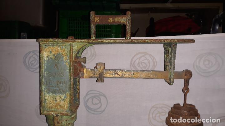 Antigüedades: peso de farmacia siglo xix,en hierro y bronce,peso para personas,muy bonita,industrial vintage - Foto 10 - 201233691