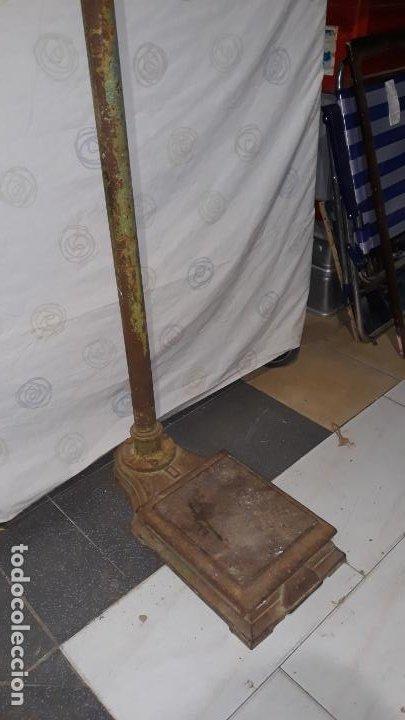 Antigüedades: peso de farmacia siglo xix,en hierro y bronce,peso para personas,muy bonita,industrial vintage - Foto 12 - 201233691