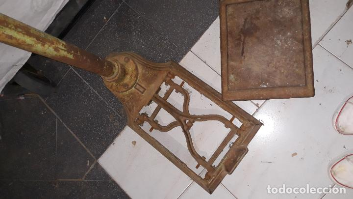 Antigüedades: peso de farmacia siglo xix,en hierro y bronce,peso para personas,muy bonita,industrial vintage - Foto 14 - 201233691