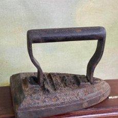 Antigüedades: PRECIOSA PLANCHA EN HIERRO. Lote 201318661