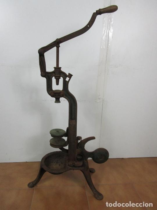 Antigüedades: Antigua Máquina Encorchadora Manual - para Embotellar - Hierro Fundido - Principios S. XX - Foto 12 - 201341120