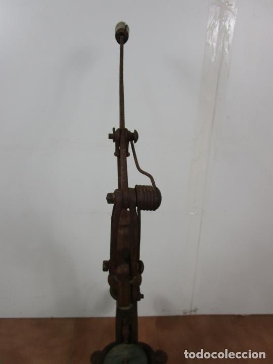 Antigüedades: Antigua Máquina Encorchadora Manual - para Embotellar - Hierro Fundido - Principios S. XX - Foto 15 - 201341120