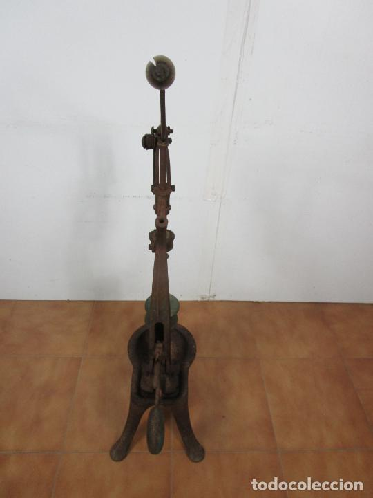 Antigüedades: Antigua Máquina Encorchadora Manual - para Embotellar - Hierro Fundido - Principios S. XX - Foto 19 - 201341120