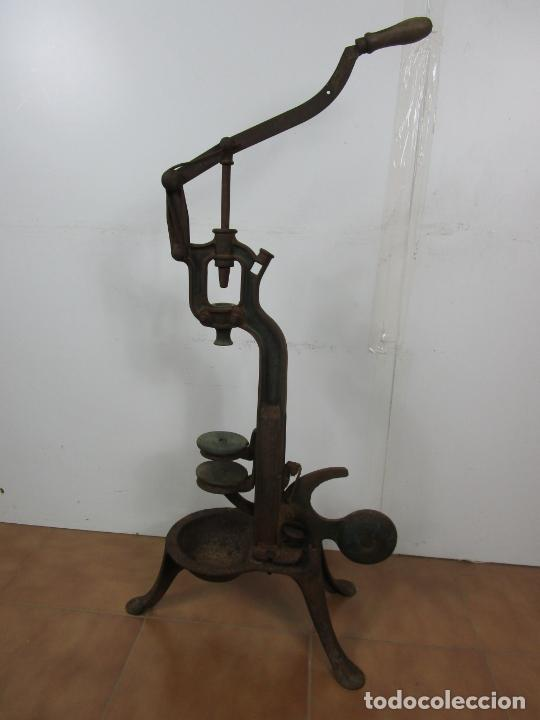Antigüedades: Antigua Máquina Encorchadora Manual - para Embotellar - Hierro Fundido - Principios S. XX - Foto 21 - 201341120