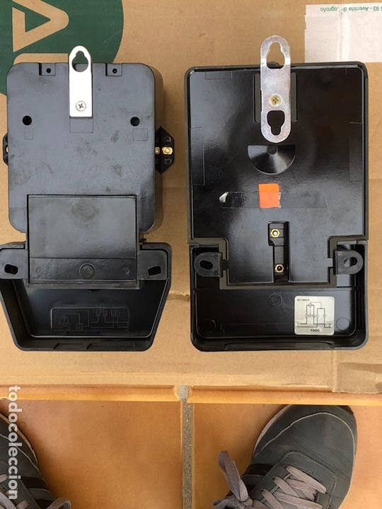 Antigüedades: Lote de 2 contadores antiguos de luz - Foto 6 - 201648433