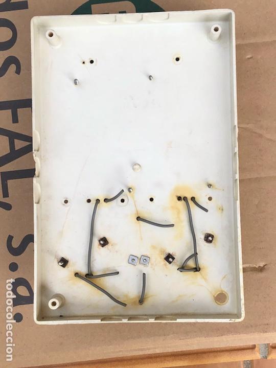 Antigüedades: Lote de contador, fusibles y un cuadro de luz - Foto 11 - 201649461