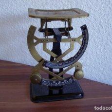 Antigüedades: BASCULA BILATERAL PESA HASTA 1000 GR COMPLETAMENTE FUNCIONAL. Lote 201724183