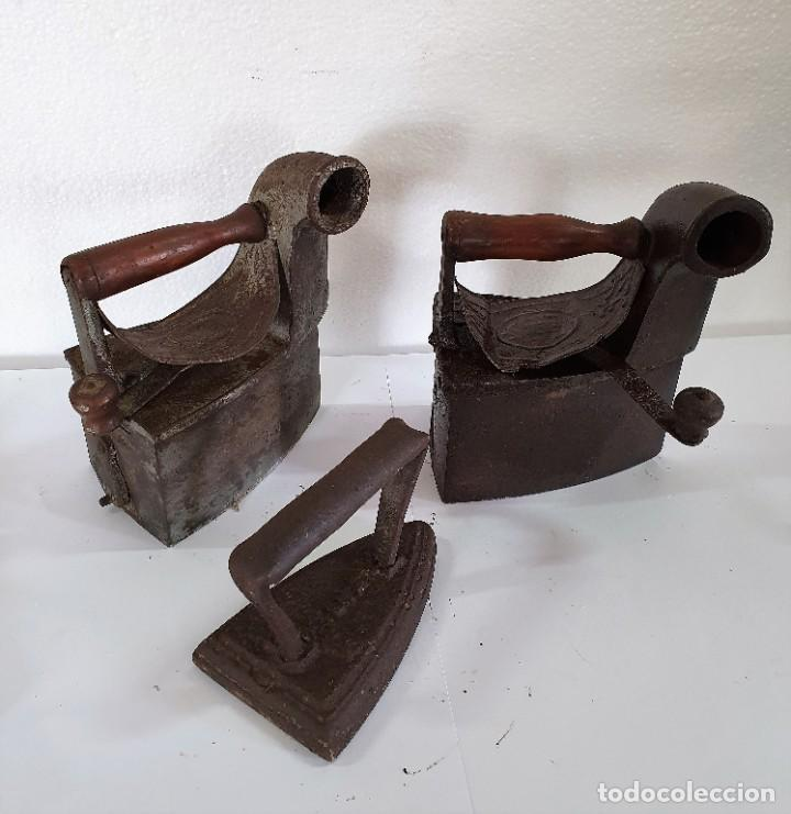 LOTE DE 3 PLANCHAS ANTIGUAS (Antigüedades - Técnicas - Planchas Antiguas - Carbón)