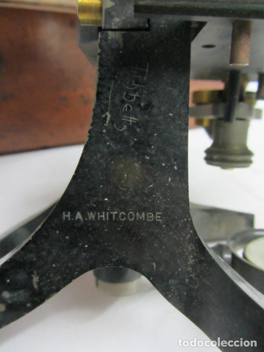 Antigüedades: Microscopio Swift & Son, circa 1900 Con caja, oculares y ópticas. - Foto 4 - 202441805