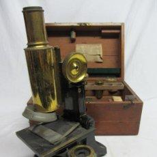 Antigüedades: MICROSCOPIO SWIFT & SON, CIRCA 1900 CON CAJA, OCULARES Y ÓPTICAS.. Lote 202441805