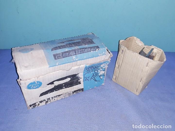 Antigüedades: ANTIGUAS PLANCHAS ELECTRICAS EN MUY BUEN ESTADO LA DESIREE NUEVA - Foto 5 - 202817596